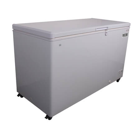 "Kelvinator 17 cu. ft. Solid Chest Freezer 59-1/2""W"